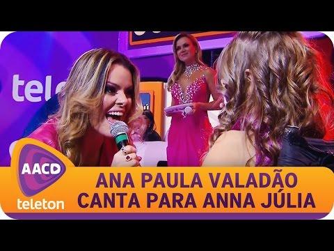 Ana Paula Valadão canta com Anna Júlia, menina símbolo do Teleton 2014