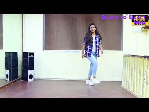 Gulabi Aankhen jo teri dekhi.. Dance by a beautiful girl