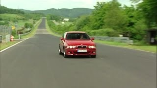 Красная БМВ М5 е39 в Германии на трассе. Red BMW M5 e39 in Germany(Красивый ролик с красной БМВ М5 е39 на гоночной трассе в Нюрбургринге. Блог с наколками http://www.nakolochka.in/, 2013-11-03T15:30:49.000Z)