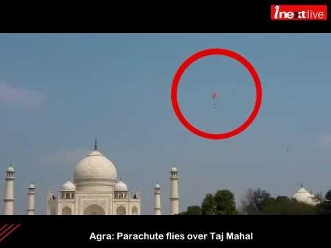 Agra: Glider flies over Taj Mahal
