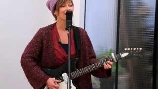 Rekorder: Mina Tindle singt
