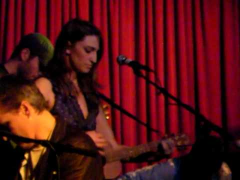 Sara Bareilles - Sullivan Street (counting crows cover) live @ hotel cafe 010509