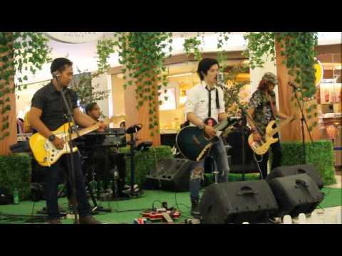 Nouvalz Band @ Ciputra Mall - Cibubur - Part 3
