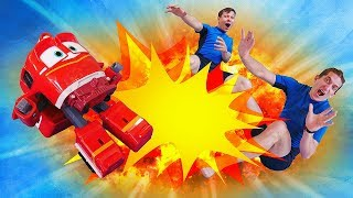 Роботы Поезда и игрушки из мультфильмов - Акватим возвращается в Аквапарк! – Видео игры для детей.