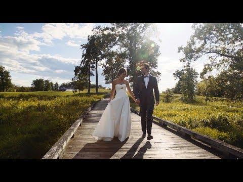 Jacqueline + Chris :: Saratoga Springs, NY :: Wedding Trailer