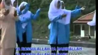 Download Video Wafiq Azizah-YA ROSULLALLAH.mpg MP3 3GP MP4