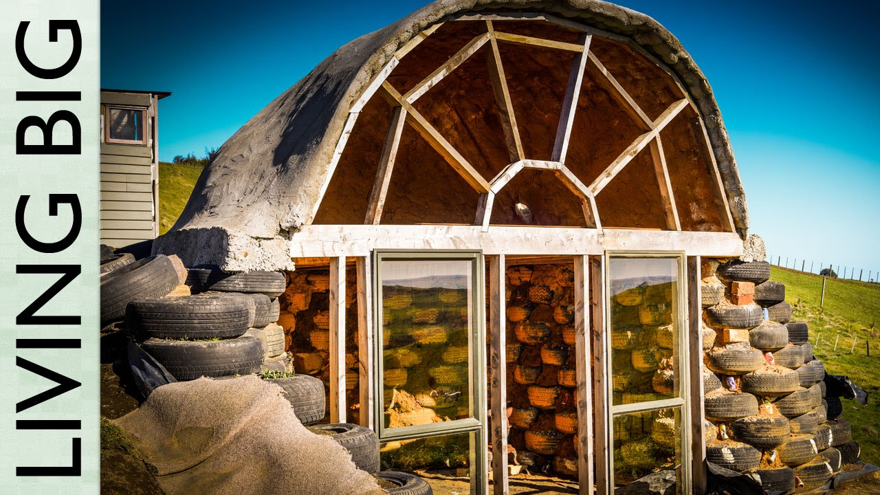 Extraordinary Micro Earthship in New Zealand - YouTube