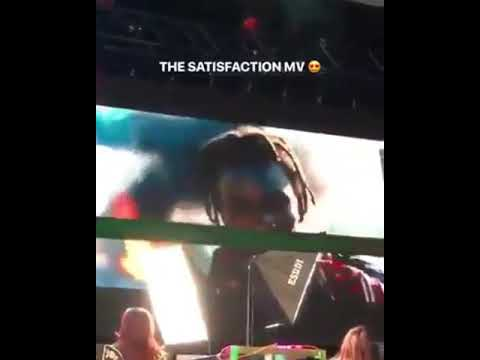 Zayn plays satisfaction music video on Icarus Falls party!