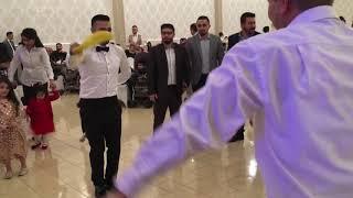 Urfa düğünü Damat halay çekiyor