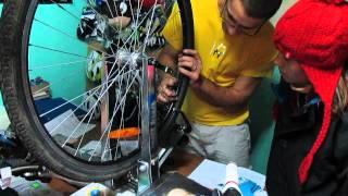 как правильно натягивать спицы, полное видео(sorry for my english) http://cycling-around-black-sea.blogspot.com/, 2013-11-12T11:27:10.000Z)
