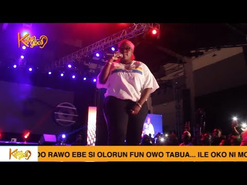 """See How Teniola Surprises The Crowd At Her Sister's Show """"The Human Radio Concert"""""""
