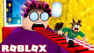 ESCAPE EVIL GRANDMA'S HOUSE IN ROBLOX!