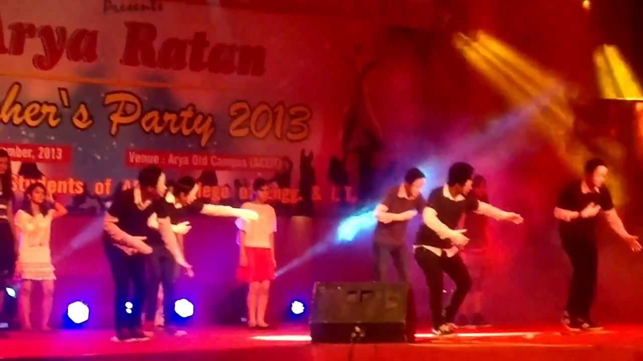 ARYA College Dance Performance.....!! BY- 1st Yr Students ...