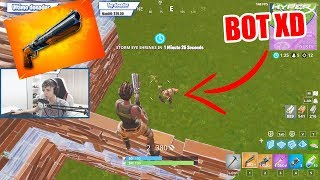 explaining the new double shotgun with a bot in Fortnite xDDD