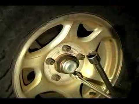 How to Rotate Tires : How to Torque Lug Nuts
