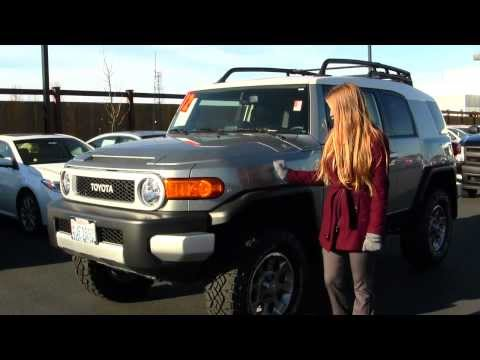 Virtual Walk Around Video of a 2012 Toyota FJ Cruiser at Titus Will Toyota in Tacoma, WA w7323
