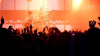 Arctic Monkeys - That's Where You're Wrong live @ Don Valley Bowl / Sheffield - 10 june 2011