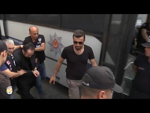 الداعية التركي عدنان أوكتار ينكر التهم الموجهة إليه ويقول إنه ضحية مؤامرة…  - نشر قبل 2 ساعة