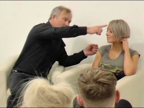 Simon Sez - Salon Stage Hypnosis - Everyone Hypnotised