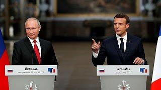Fransa Cumhurbaşkanı Emmanuel Macron, Rus lider Vladimir Putin'i ağırladı