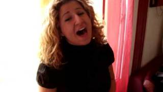 Karima chante Bleeding Love