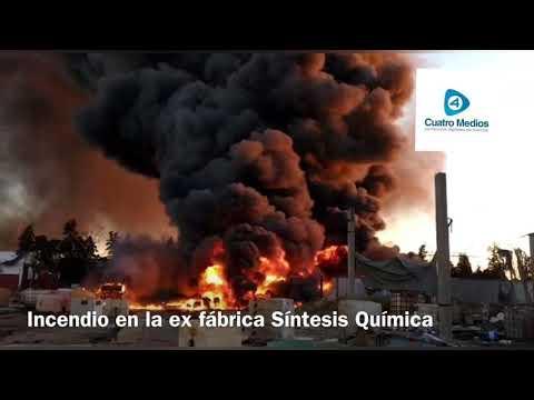 VIDEO: Así sofocaron los bomberos el incendio en la ex fábrica Síntesis Química de Florencio Varela