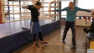 Бокс: вращательное упражнение с грифом (English subs)