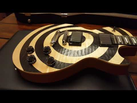 GIBSON ZAKK WYLDE CUSTOM BFG LES PAUL BULLSEYE 2009 UP CLOSE GUITAR VIDEO REVIEW