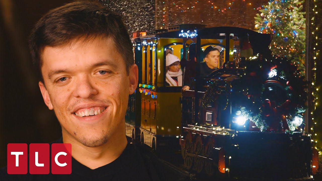 Zach Drives Matt's New Train!   Little People Big World