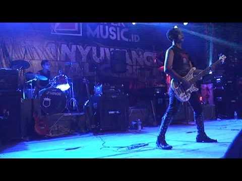 TengeT metal - Umbul Umbul Blambangan cover,  live BMG#13 at Gesibu Blambangan