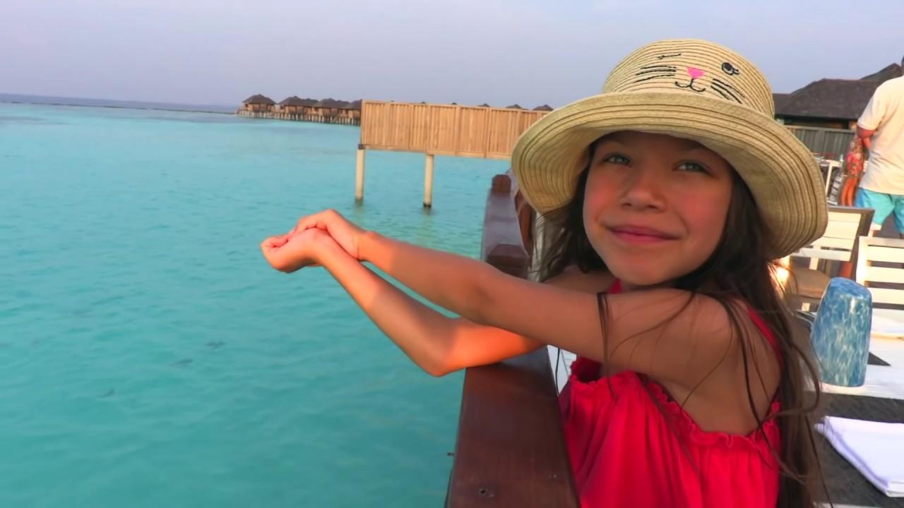 Мама Плавает с АКУЛАМИ Новый РУМ ТУР ВЛОГ Вика | какое кругосветное путешествие лучше
