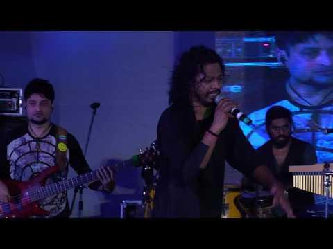Durga Puja: Nakash Aziz | Tu Mere Agal Bagal | Main Hoon Don | Afghan Jalebi | Jabra Fan
