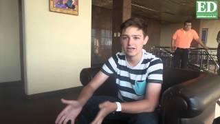 Michael Sayman motiva a crear aplicaciones a jóvenes bolivianos