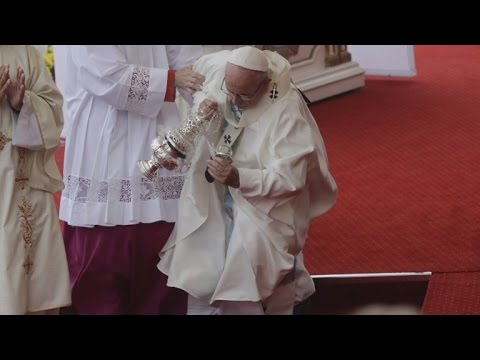 After Pope Francis Falls During Mass, How Elderly Could Prevent Taking a Tumble
