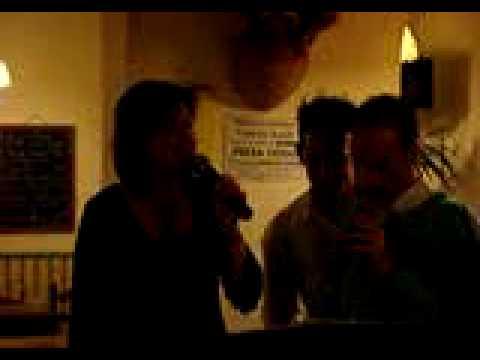 3 28 06 07 CAROLE invitée de CLEMENT et EMILIE à l...