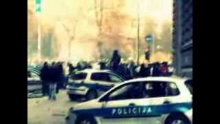 Repeat youtube video Frenkie ft Edo Maajka - Hajmo ih rusit (Protesti 5., 6 i 7.2.2014 - Tuzla, Sarajevo, Mostar... )