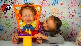 Amuzant! Un Copil de 2 ani joaca Pie Face Challenge/Video pentru copii