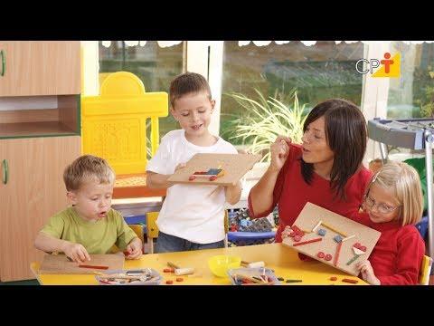 Clique e veja o vídeo Curso a Distância Confecção de Brinquedos Pedagógicos com Sucata e Dobradura