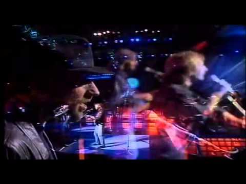 Resultado de imagen de Show de Bee Gees - The Very Best Of The Bee Gees (Full Show)