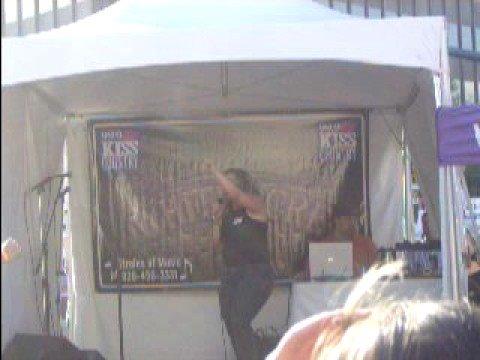 Karaoke July 2008 Melissa Costabile