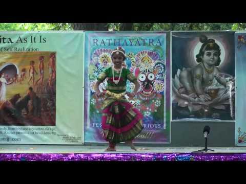 Rathayatra 2010 - Bharatnatyam Dance - Sanskriti Trivedi - 9/14