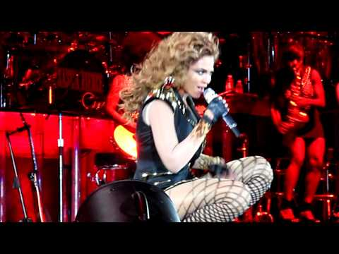 [HD] Beyonce - Hello (Live in Liverpool 11/11/09)