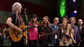 Willie Nelson - Roll Me Up and Smoke Me When I Die (Live at Farm Aid 2013)