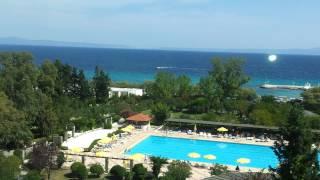 Отель  Athos palas  Греция Халкидики(Вид из окна на бассейн., 2014-08-17T10:35:08.000Z)