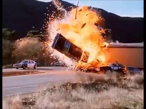 The Underground (1997) Car Chase 3
