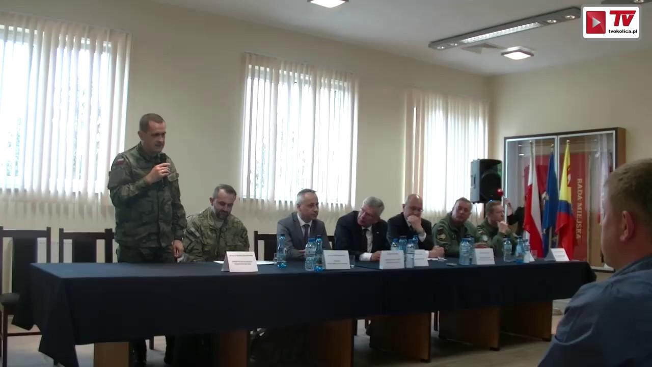 Konferencja na temat reaktywacji lotniska w Nowym Mieście nad Pilicą