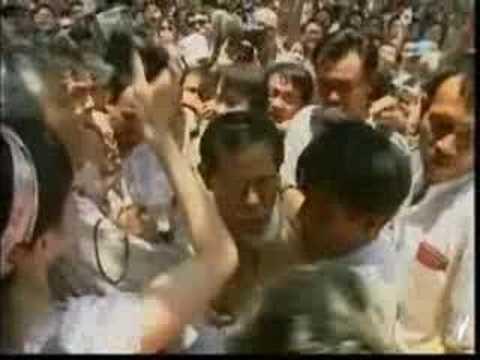 Burma - Junta offers to meet Suu Kyi (SBS-05/10/07)