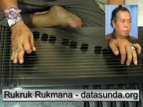 Sundanese music :Kacapi Indung Cianjuran . Liwung Jaya song