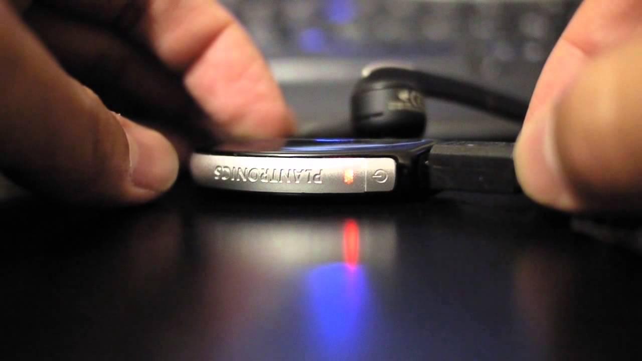 Plantronics Voyager Pro No Longer Turns On Led Blinks When Charging Youtube