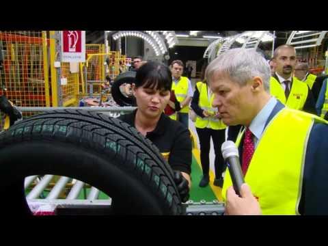 gov.ro/9/30/16: Vizită la fabrica de anvelope Pirelli de la Slatina